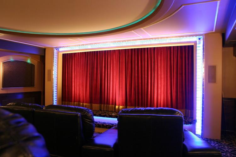 Traditional Home Theaters Kole Digital
